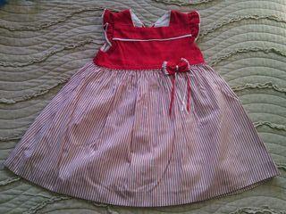 Vestido rojo de 3 años