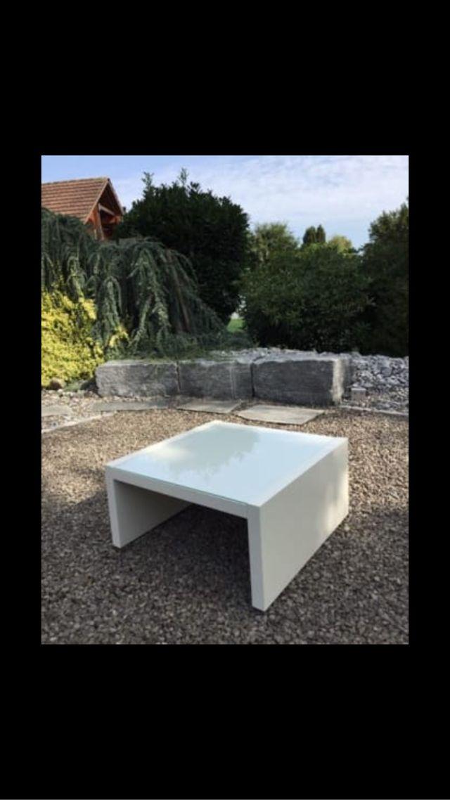 mesa con cristal de segunda mano por 60 en carril wallapop