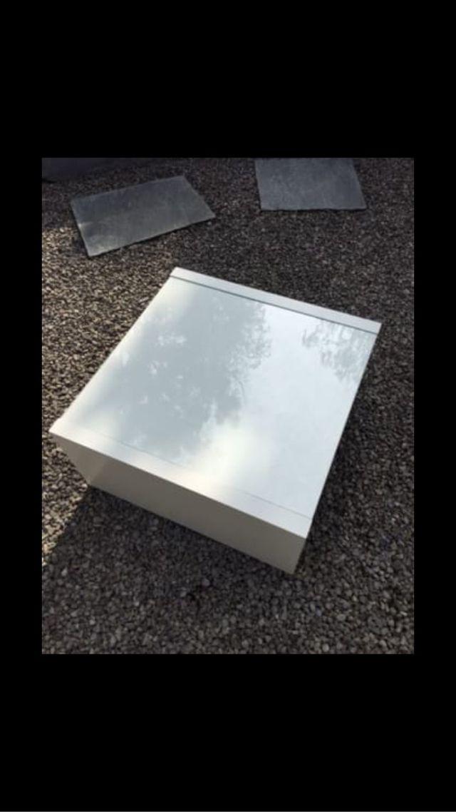 Mesa con cristal de segunda mano por 60 en carril wallapop for Mesa cristal segunda mano