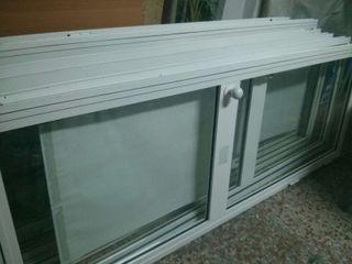 7 puertas de aluminio con cristal. Modulos de cabinas