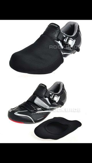 Cubre botas para bicicleta.