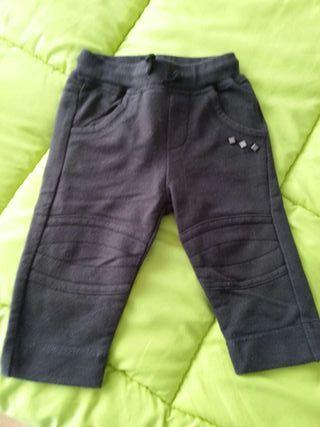 Pantalon negro t9