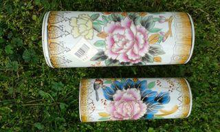 Jarrones de Diseño de cerámica pintados a mano y lacados. 5 € ud.