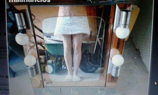 Armario - Espejo grande con 3 cajones.4 focos. 95€