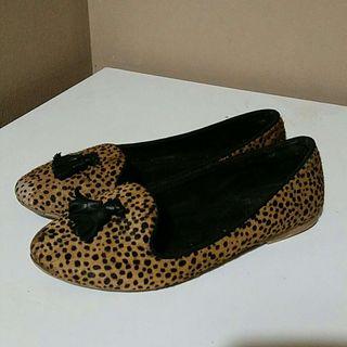 Zapatos leopardo talla 31 de zara
