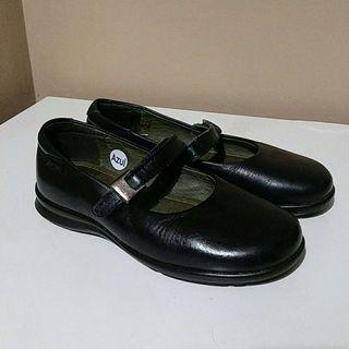 Zapatos piel niña talla 31