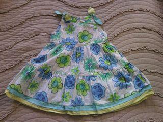 Vestido de flores de bebe