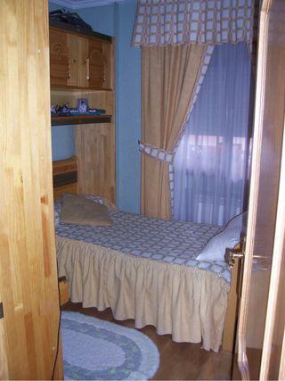 Dormitorio juvenil de madera maciza