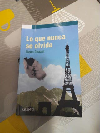 """Libro """"lo que nunca se olvida"""""""