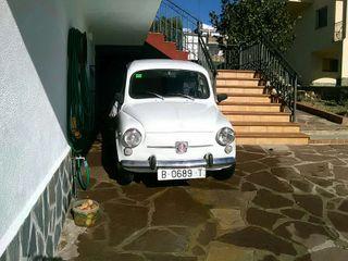 Cotxe Clàssic SEAT 600