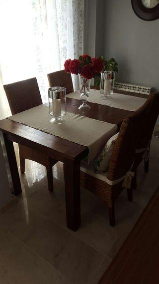Conjunto mesa comedor y sillas estilo banak de segunda mano por 999 en manzanares en wallapop - Wallapop mesa comedor ...