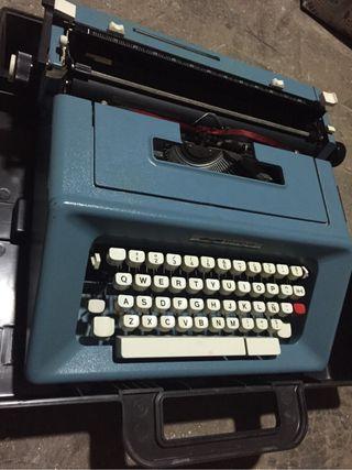 Maquina de Escribir OLIVERTTI STUDIO 46