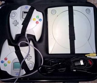 Sega Dreamcast + Volante + Mandos