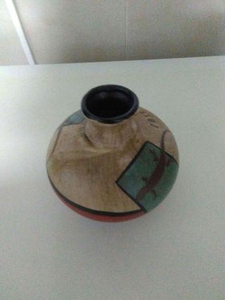 Vendo jarrón de cerámica sin estrenar.