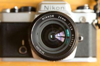 Objetivo Nikon 24mm F1:2.8