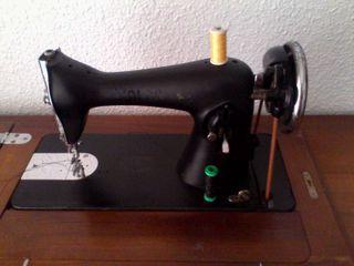 Maquina coser ALFA.