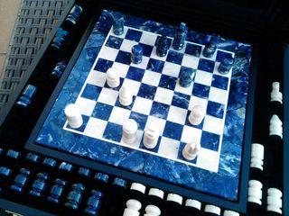 Juego de ajedrez y damas en piedra nuevo