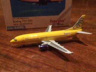 Herpa Wings Buzz Boeing 737-300