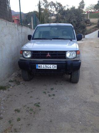 coche mitsubishi Montero 4x4
