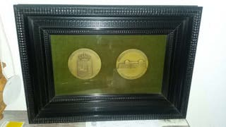 Marco con medalla conmemorativa