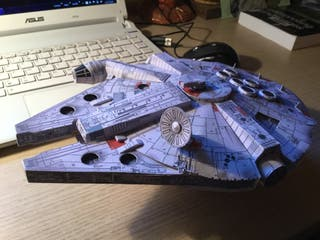 Maqueta Halcón Milenario Star Wars de Cartulina