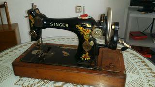 Maquina de coser SINGER antigua año1910
