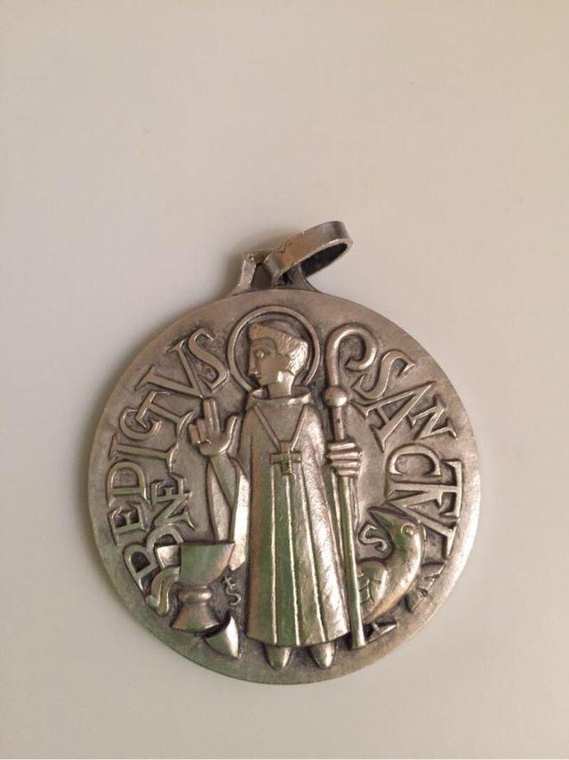 Medallón De Acero