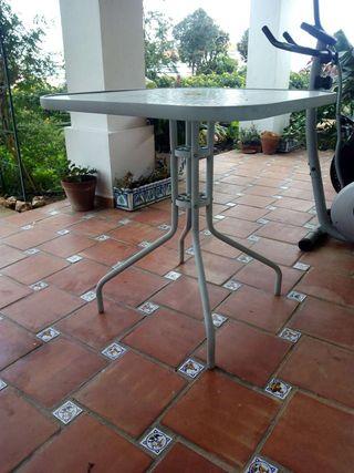 Mesa alta para exterior de cristal