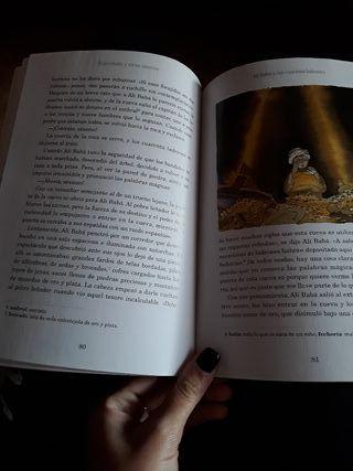 Libro de:El jorobado y otros cuentos de mil y una noches.