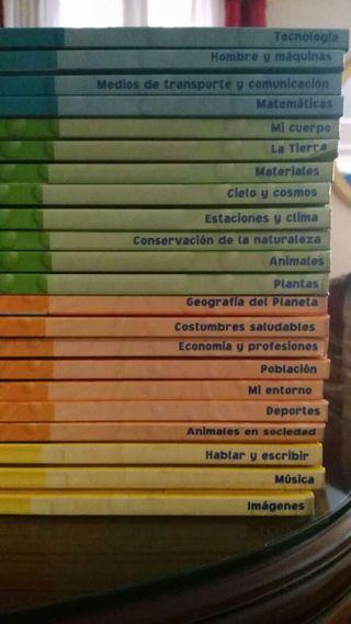 """Colección """"Los Hoobs"""""""