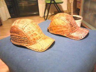 Gorra de piel de cocodrilo auténtico, traída de su