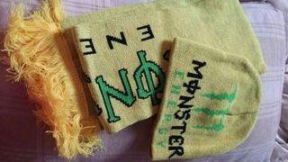 gorro y bufanda nuevos sin uso