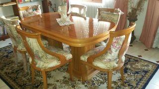 Mesa de salon madera noble maciza de nogal y 6 sillas