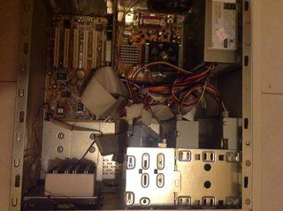 Torre Amd Athlon Xp1900, 1,20ghz, 512RAM