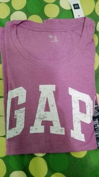 camiseta GAP chica