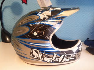 "Casco DH 661 Modelo ""Strike"""