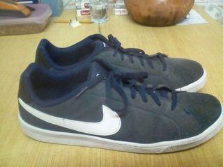 Zapatillas grandessss!! Nike talla, 49,5!!