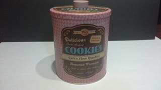 Bote metal cupkake cookie vintage.
