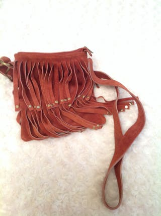 Bolso de ante con flecos - Marca Aïta