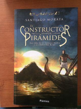"""Libro """"El Constructor De Piramides"""""""