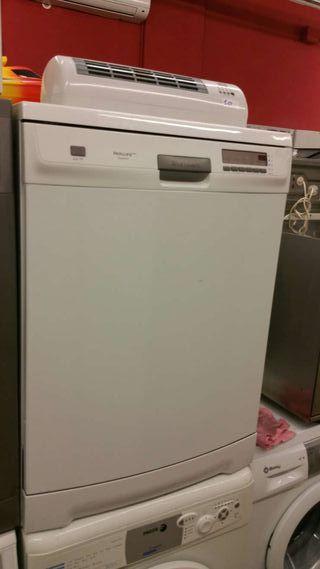 Lavavajillas Electrolux semi nuevo