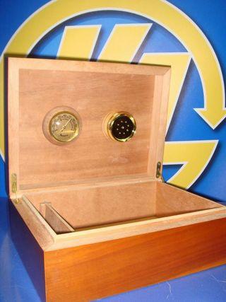 Caja artesanal para puros con higrometro