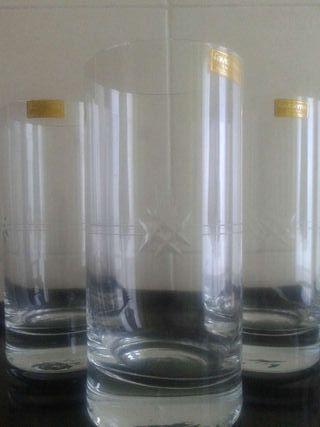 6 vasos de whisky. Tallados a mano
