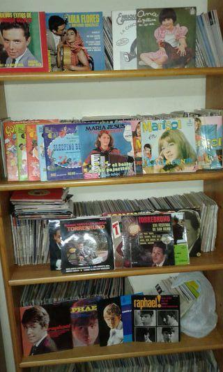 Vendo más de 4000 discos de vinilo, L.P, singles, etc.