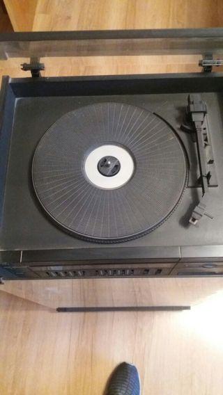 Cadena de musica vintage ( tocadiscos)