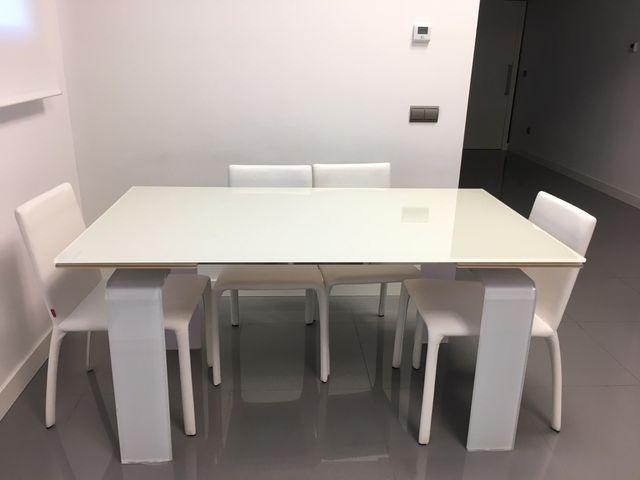 Mesa Comedor diseño de segunda mano por 470 € en Toledo en WALLAPOP