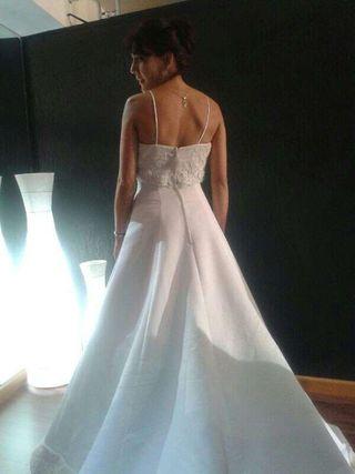 Precioso Vestido de novia más complementos