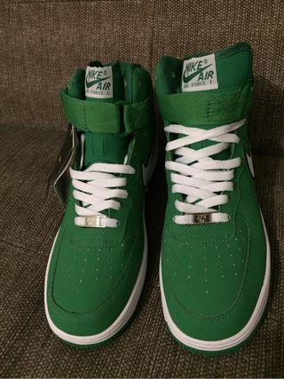 Nike Air Force I Green. Size 9