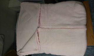 Saco de lana rosa para bebes