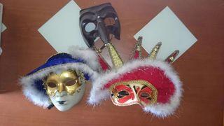 Tres mascaras de carnaval